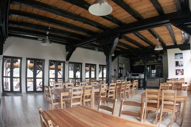 Sala de mese a restaurantului
