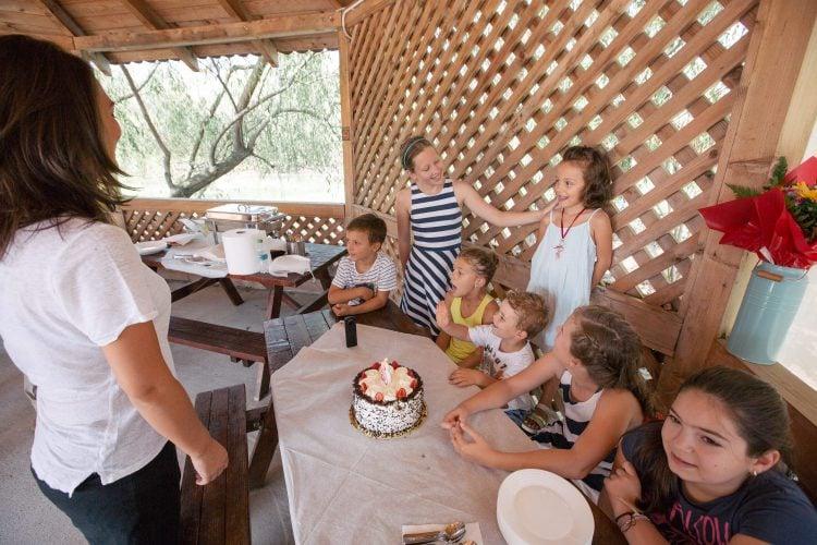 Petrecere de copii cu tort