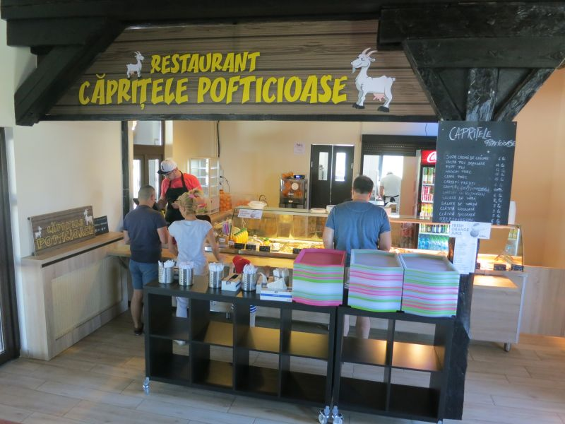 Zona de servire la restaurant