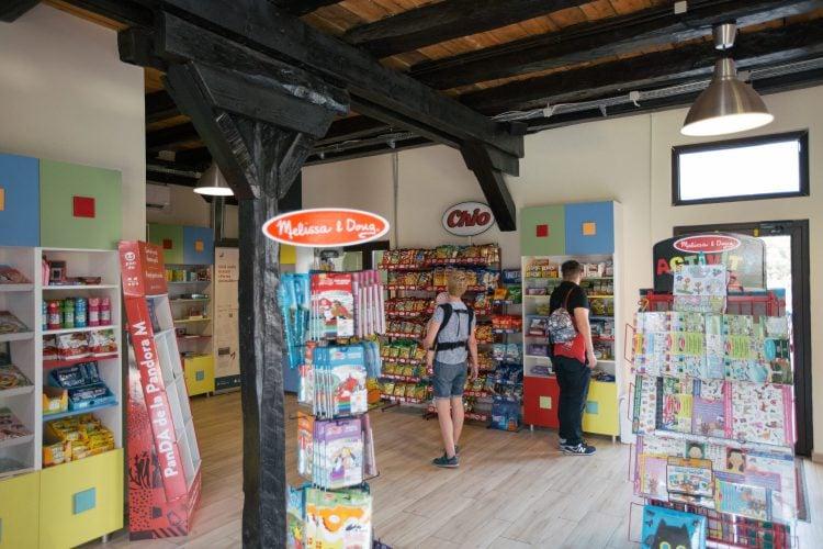 Magazin de jucării la fermă
