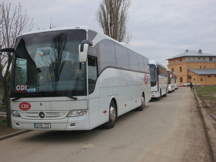 Autocare pentru transport copii la fermă
